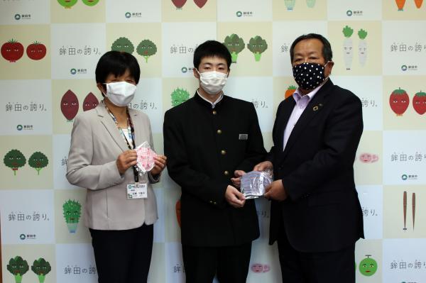 『マスク寄贈(小中学生)』の画像